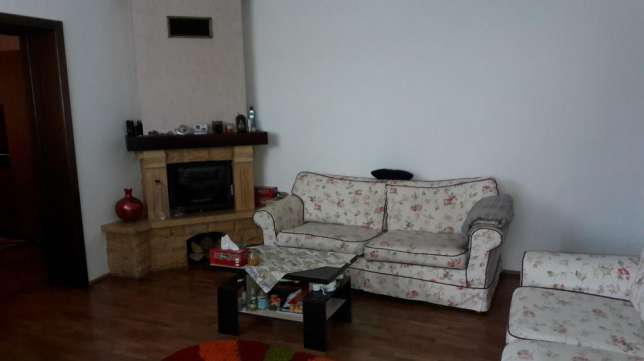 175399999_5_644x461_casa-de-inchiriat-alba