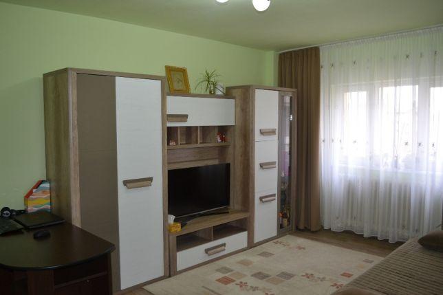 201555993_1_644x461_persoana-fizica-apartament-cu-3-camere-in-zona-cetate-alba-iulia_rev001