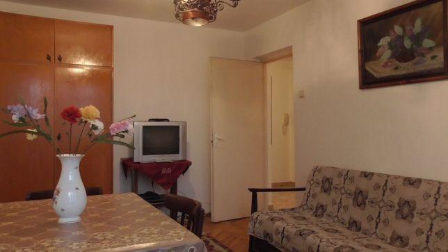 212692433_3_644x461_inchiriez-apartament-3-camere-cetate-3-camere_rev001