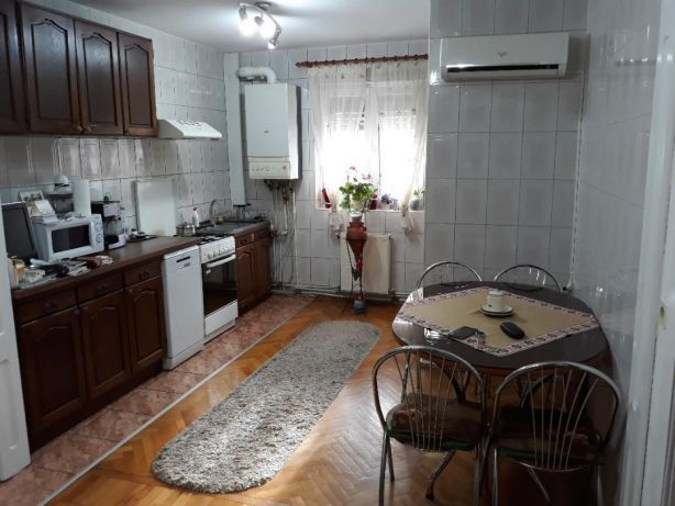 220809305_2_644x461_vand-apartament-cu-3-camere-fotografii