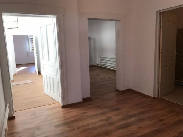 223736699_6_644x461_vand-casa-renovata-cu-gradina-centru-alba-iulia-