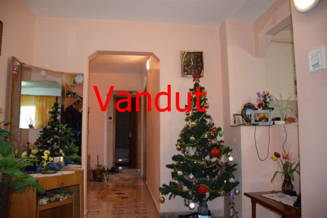86841406_2_644x461_apartament-3-camere-zona-kaufland-mercur-fotografii